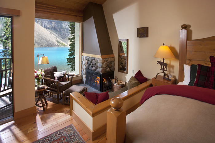 Photo: Moraine Lake Lodge