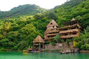 Photo: Laguna Lodge