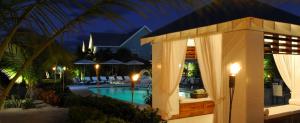 Photo: Cotton Tree West Bay Hotel