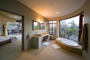 Photo: Robin Pope Safaris