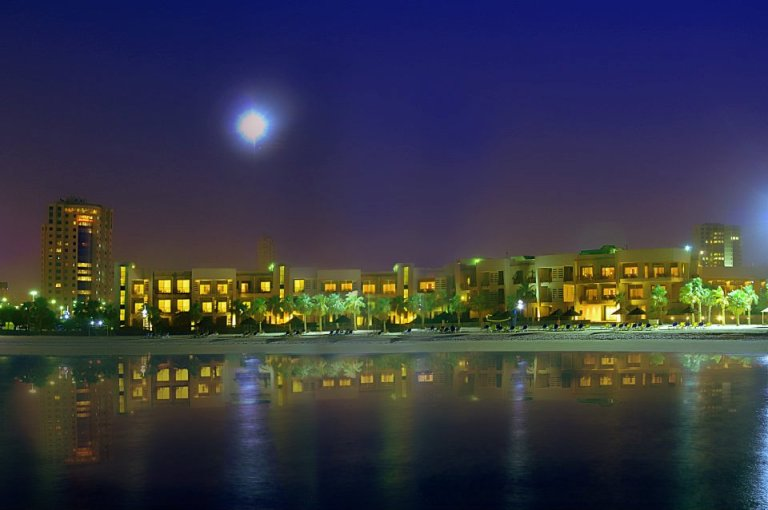 Photo: Marina Hotel