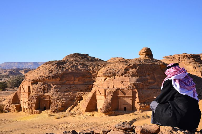 Photo: Sammy Six (Madain Saleh) [CC-BY-2.0 (http://creativecommons.org/licenses/by/2.0)], via Wikimedia Commons