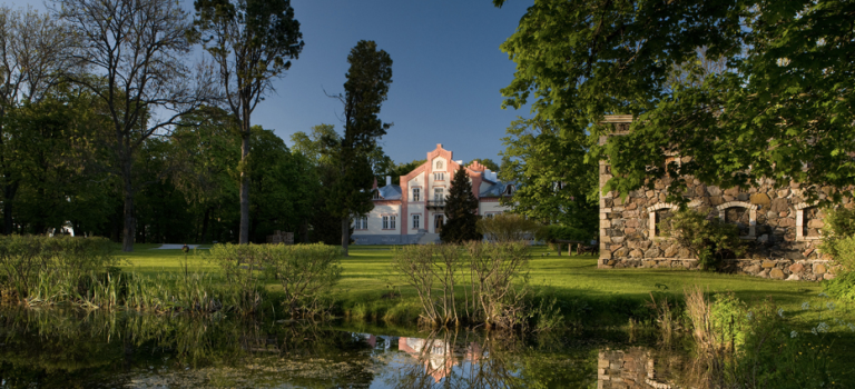 Photo: Padaste Manor