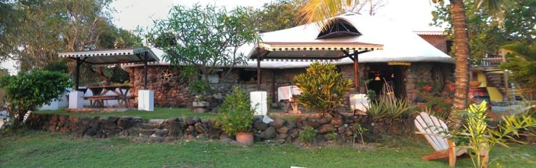Photo: Bogles Round House
