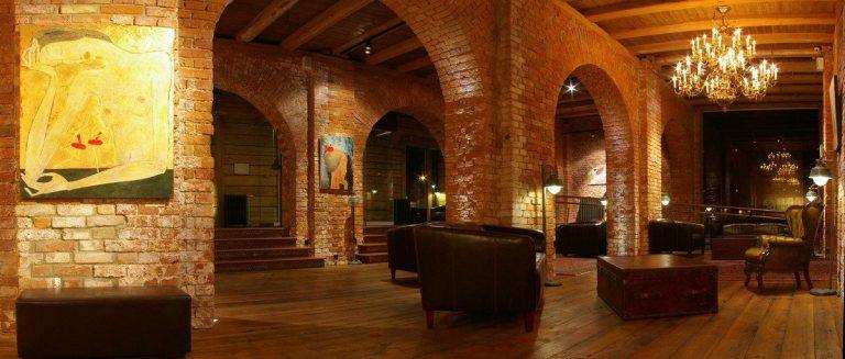 Photo: Promenade Hotel