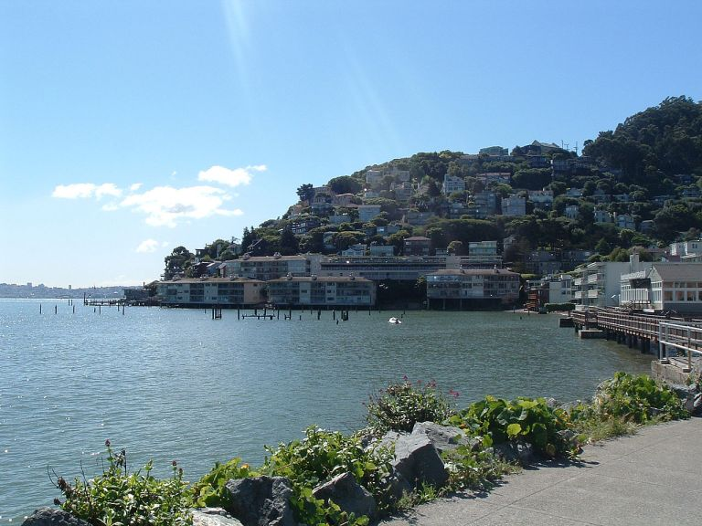Photo: en:User:Squirrel 22 (http://en.wikipedia.org/wiki/Image:Sausalito.jpg) [Public domain], via Wikimedia Commons
